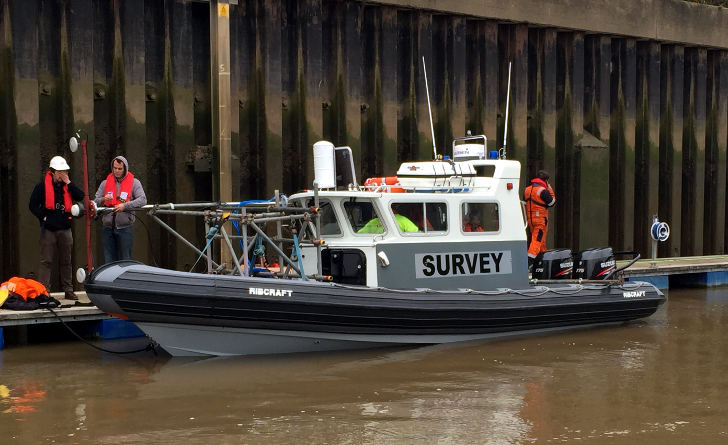 Gantry rigged survey Rib