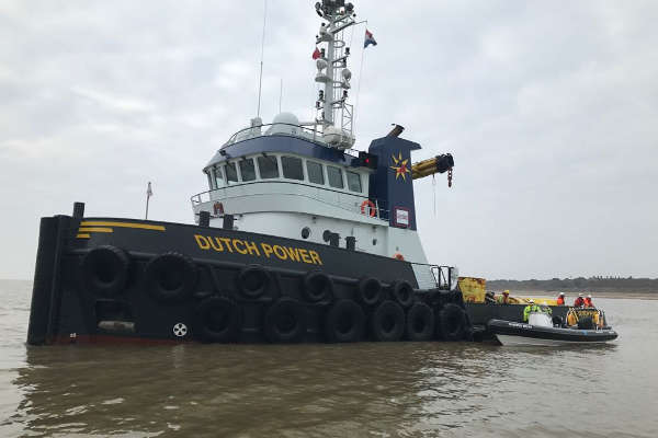 Wind farm guard boat hire